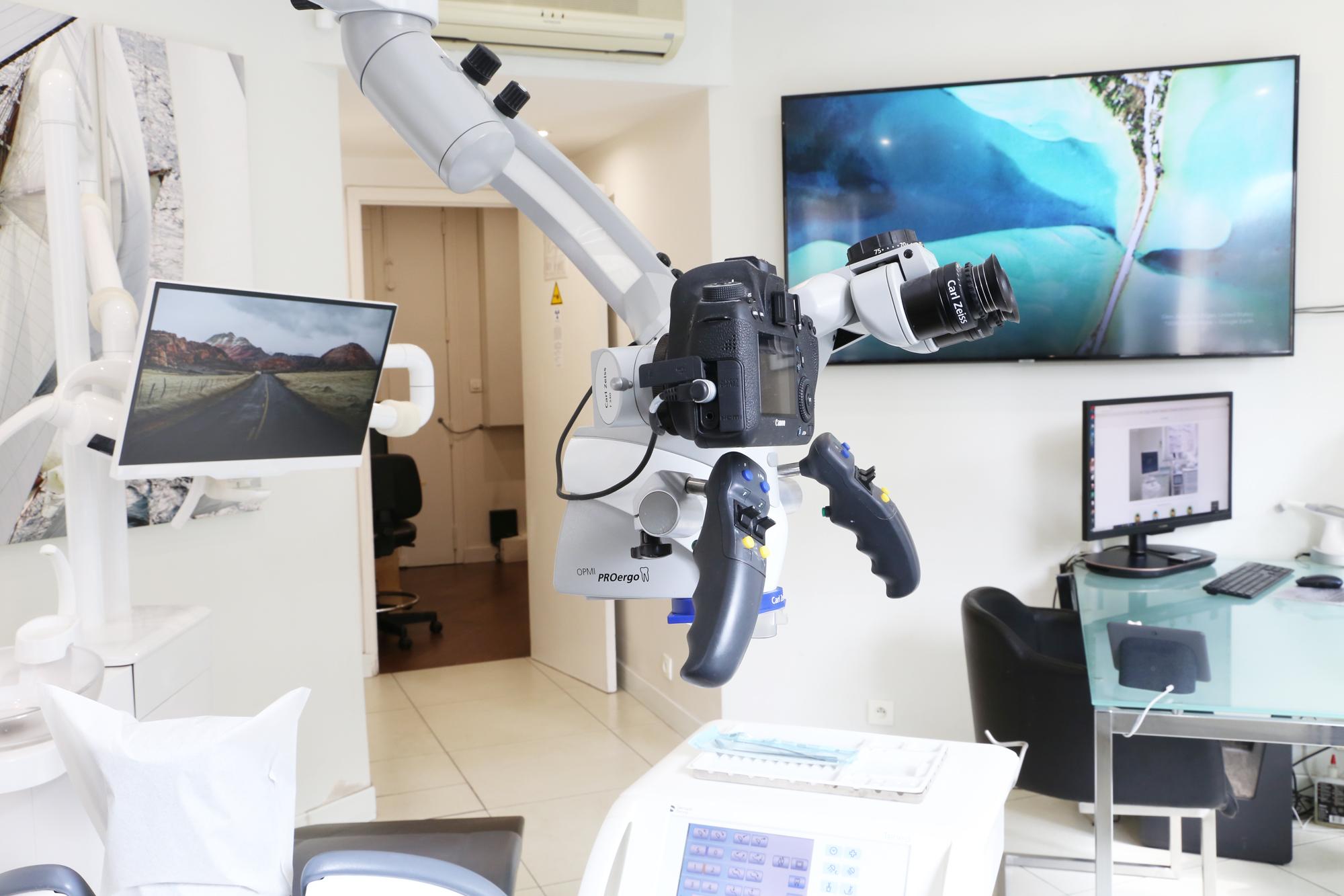 Microscope Opératoire Carl Zeiss